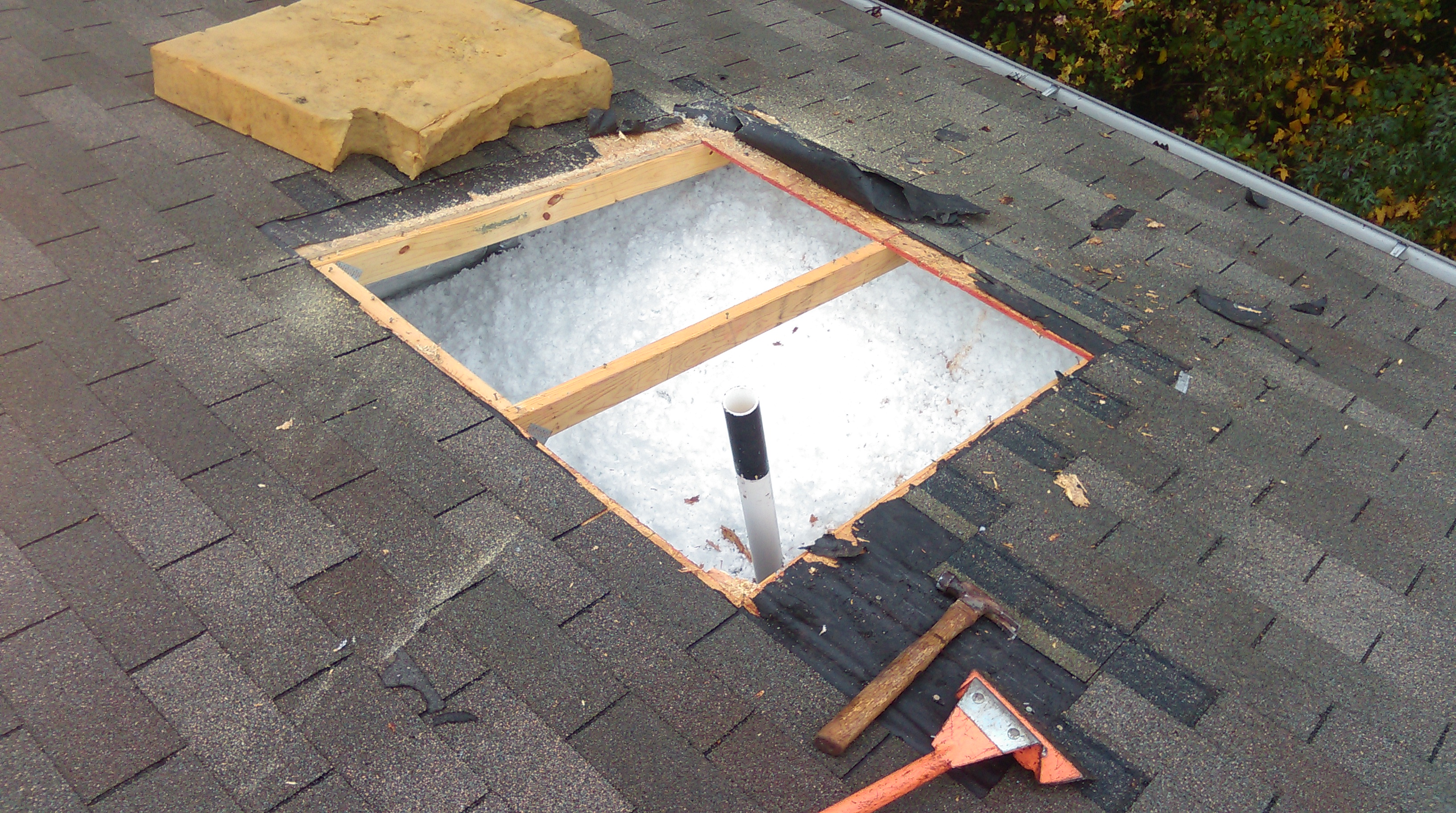 Roof Repairs done right with warranty / Fully insured with workers comp and general liability